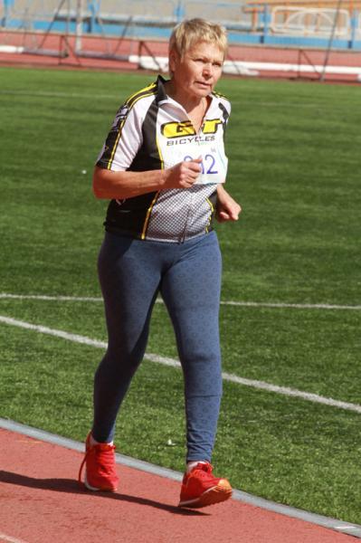 Сдача норматива по спортивной ходьбе.