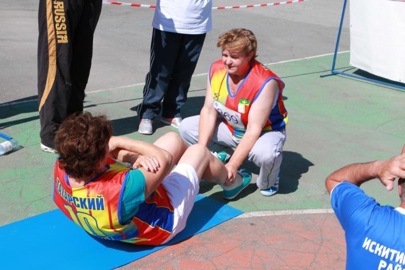 Участники фестиваля выполняли упражнения из программы  норм ГТО в зависимости от возрастной категории.