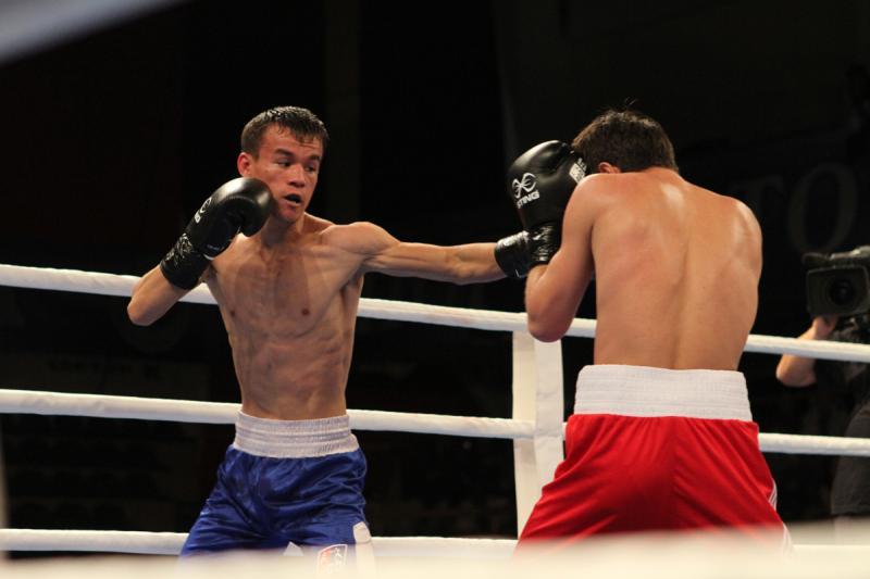 Первый отборочный матч турнира АРВ (до 52 кг)