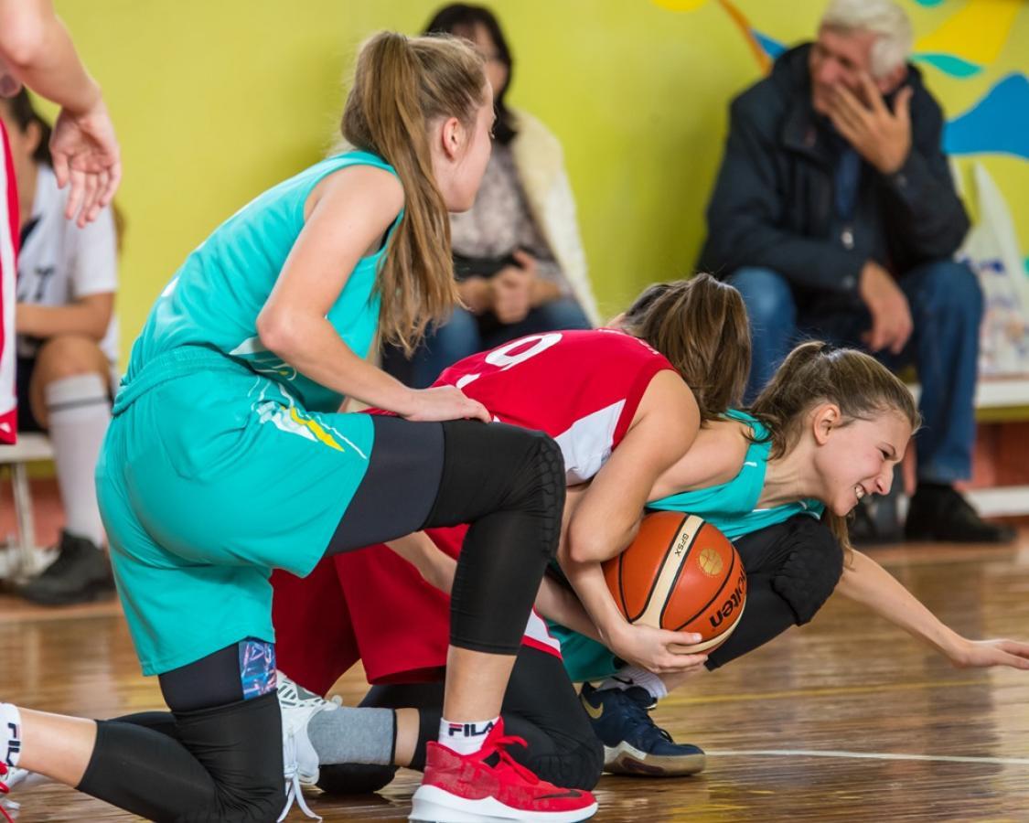 Открытый городской турнир по баскетболу среди девушек памяти Любови Сурковой