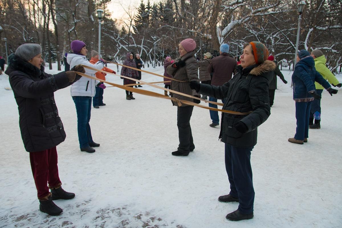 В Первомайском сквере стартовал сезон оздоровительной гимнастики