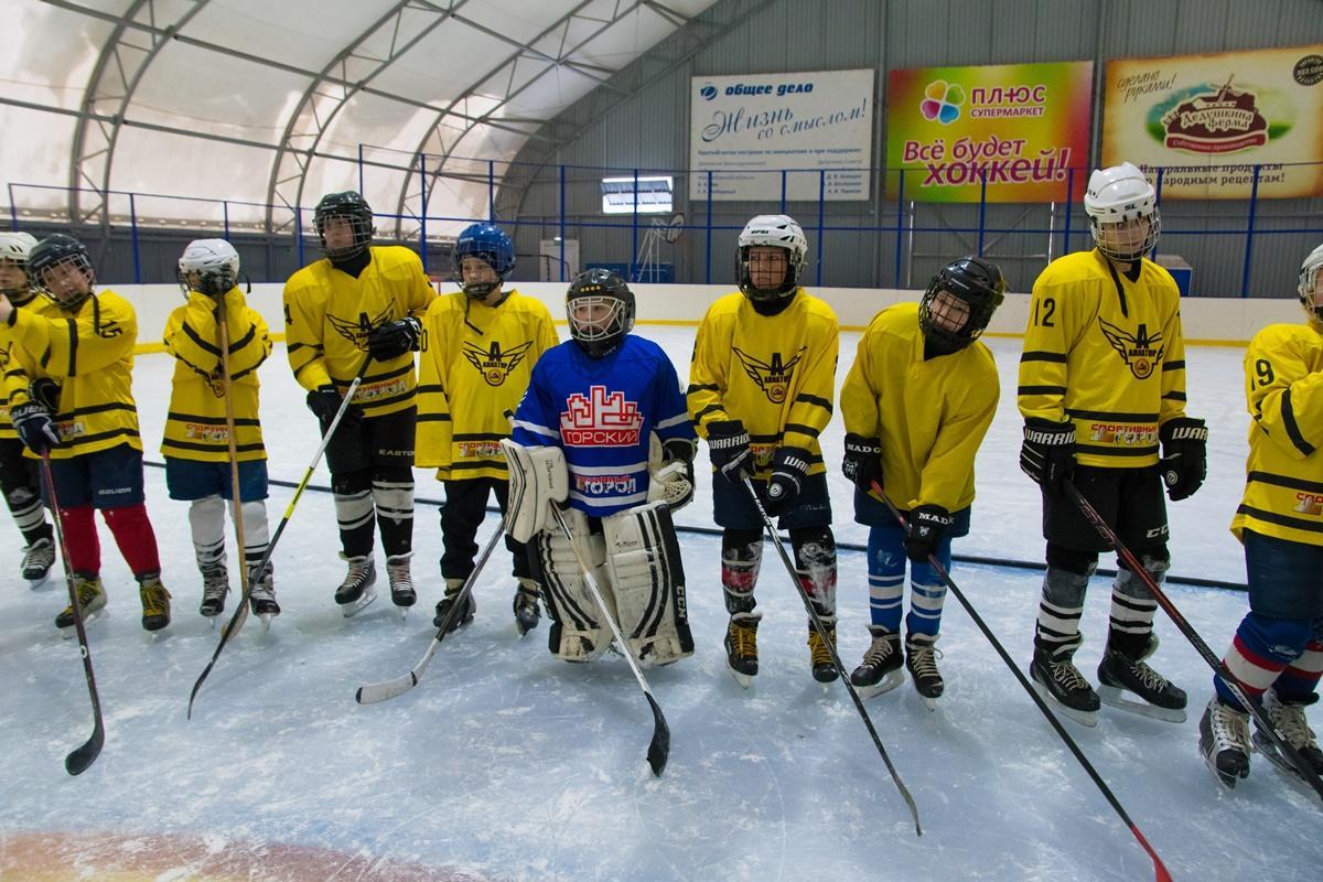 Турнир по хоккею с шайбой среди дворовых команд «Сибирская шайба»