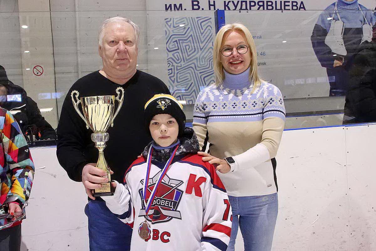 Финальные игры и награждение призеров турнира «Золотая шайба»
