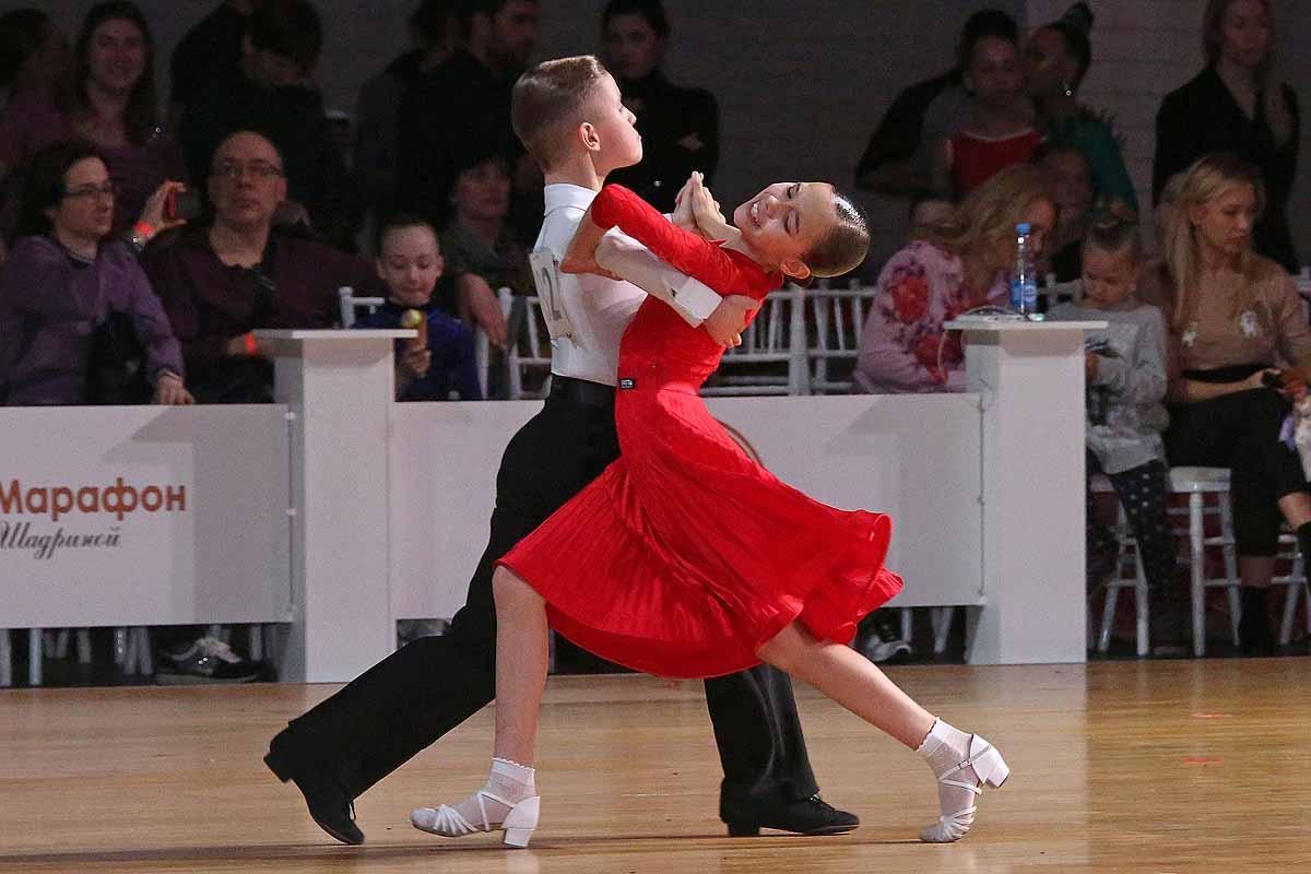 Бальные танцы.