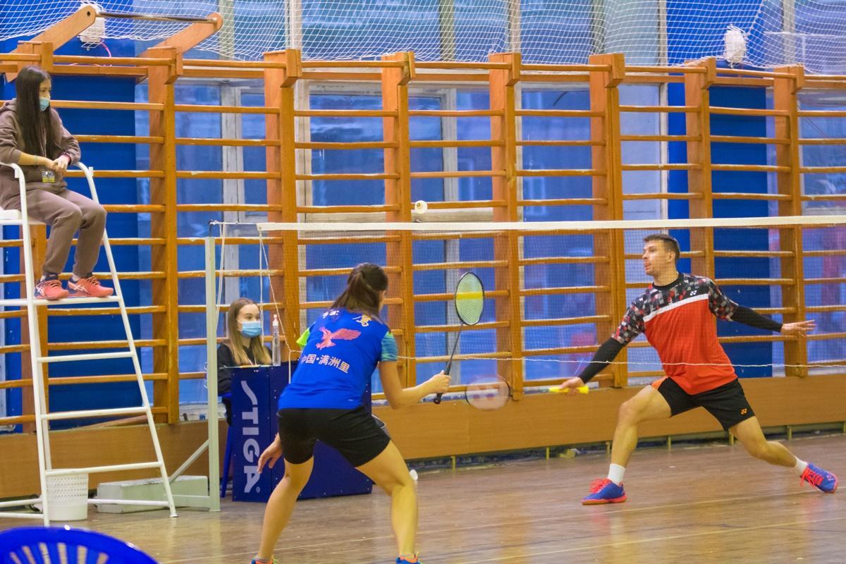Всероссийские соревнования по бадминтону
