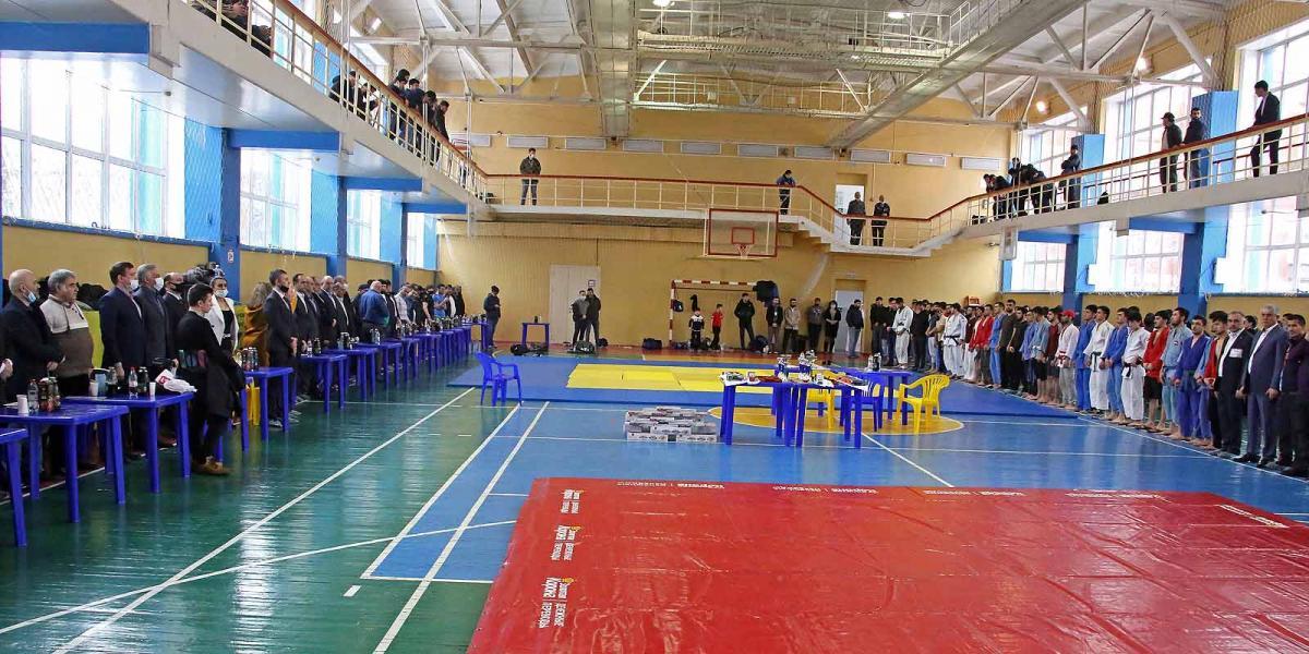 Соревнования по борьбе Куреш и Гуштенгири.