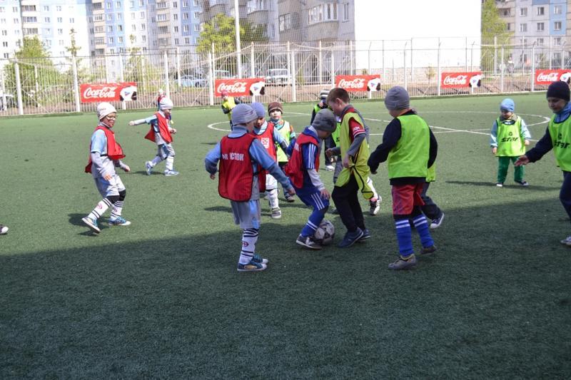 Футбольный турнир «Кожаный мяч»