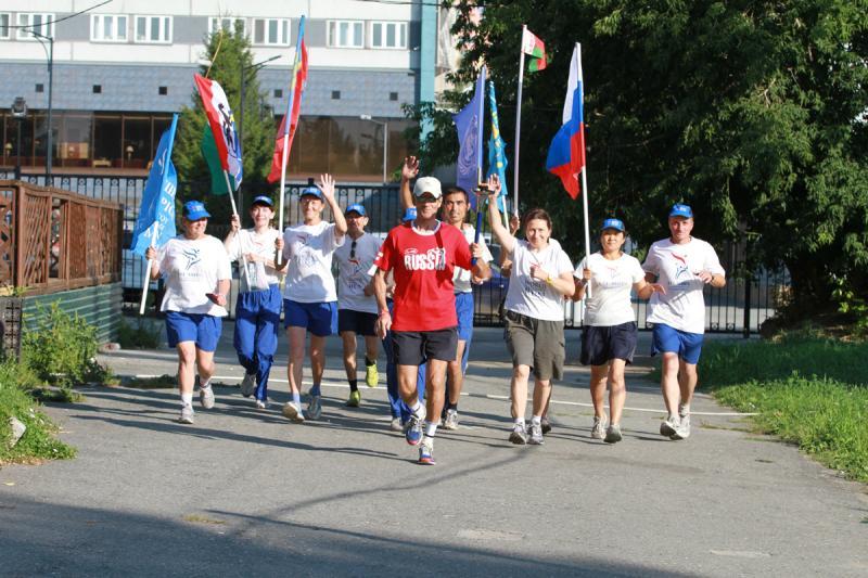 Маршрут международной эстафеты «Бег Мира» прошел через Новосибирск